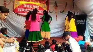 Dhak Dhak Girls dance performance tribute to madhuri dixit
