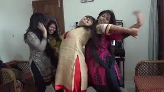 Viral video : Hostel girls dance performance | College Girls Dancing in Hostel in Full mood