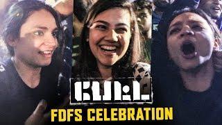 Petta FDFS: Thalaivar Girl Fans Marana Kuthu Dance | Rajinikanth | Vijay Sethupathi