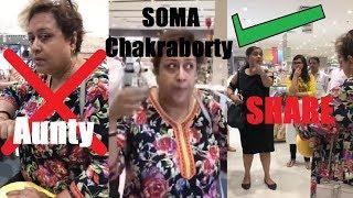 VIRAL AUNTY DELHI MALL TALKING ABOUT SHORT CLOTHES OF GIRLS | ORIGINAL VIDEO