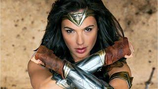 "DC Films' ""Wonder Woman"" Wins Hugo Award"