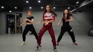 Korean girls dance in nepali remix song | पुरानो  नेपाली लोक भाका लेकाली चोयाको…