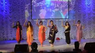 College girls dance on tu cheez Badi hai mast mast || YouTube
