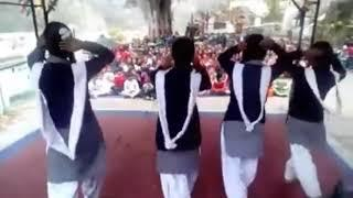 Garhwali school dance//girls dance//garhwali song//school pilkhi//Uk....