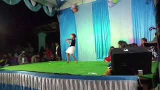 dilbar dilbar hindi songs || stage melody video || Small girls dance by dilbar song ||