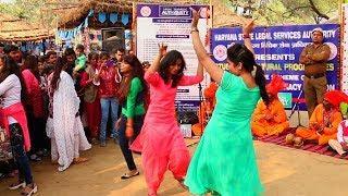 Indian Girls dance on folk music tunes at Surajkund mela