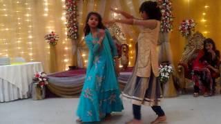 2 Small Girls dance