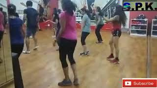Dance classes // girls dance // bollywood dance steps // dance tutorial // female sexy dance steps
