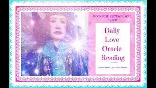 Daily Love Oracle Reading ~ Woman of Light