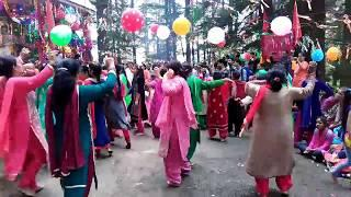 Bhaderwahi Girls Dance at Dandasan Mata Mandir Boliyan