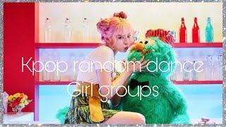 kpop random dance game ( girls groups)