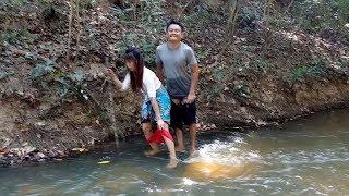 Real Girl&Boy Sweet Love In Water Morning Do.....