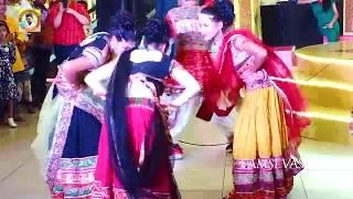 Girls Dance on Hyderabad Chatal band IN NEXT MALL ll HYD ll