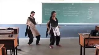 College girls  performance in folk dance
