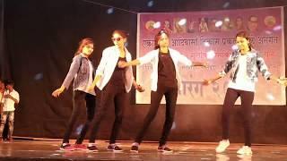 Aankh Mare / Hostel Girls Dance
