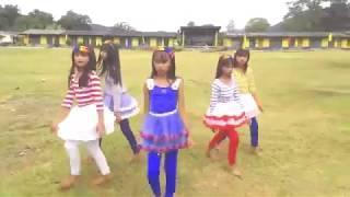 Ponytail Girl - Nhóm 3 con nhái (Trẻ Trâu) hot nhất MXH | Dance Cover Queen (Đóa Hoa Hồng) - Chi Pu