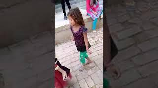 Village little girls dance bhojpuri song || hothlali se roti
