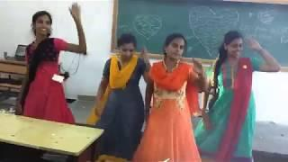 Tamil girls dance in college trendig meme