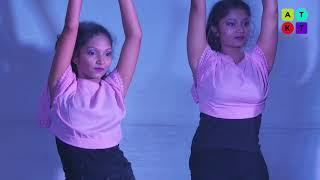 SVT College Girls Showcase Their Bollywood Dance Moves | Umang 2018