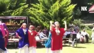 Kashmiri Girls Dance on Kashmiri song at Kishtwar