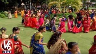 Atla Bathukamma Celebrations All Over Hyderabad, Women Attracts With Traditional Dance | V6 News