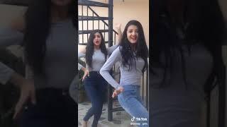 Chamma chamma twinny girls dance/tiktok video