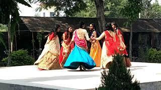 Nishkalanka mata h. School girls dance