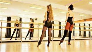 Beautiful Girls Dancing