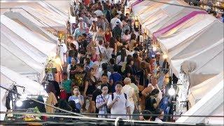Thai Girls love the Thepprasit Night Market, Pattaya