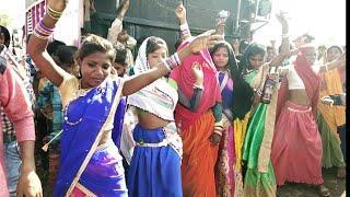 2019 में बदलायो जमाने सोरी नवीं फेसन लयो !! Beautiful Female Girls Dance !! Adivasi Timli Dance Gj20