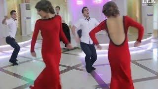 GÖZƏL QIZLAR RƏQS EDİR. Maraqlı və Məzəli RƏQSLƏR. GIRLS Dance. Девушки Танцуют █▬█ █ ▀█▀  Videos.