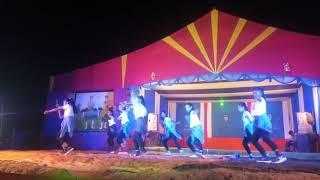 Chaining star crew girls group dance at Baro Bazar