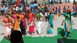 Dunge Nalue Solan ochghat  Beautiful school girls dance .Ochghat fire 2018 beautiful dance by school