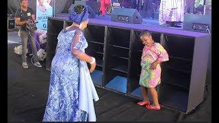See This Little Girl That Challenge Tope Alabi Into Dance Competition At The Praise Almighty Concert