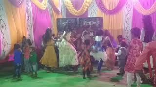 Gori Tori Chunari Ba Lal Lal Re /Cute Dance By Girls