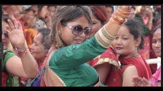 Bhangra YouTube Video | Sexy girls dancing on popular Punjabi bhangra song | Orange Vinez