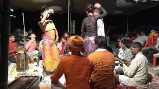 Desi girls dance on village night bhatki program,village night program me ladkiyo ka jabardast dance