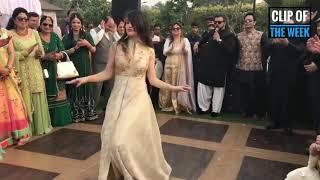 Laila main laila | Pakistani girl | Hot wedding dance performance