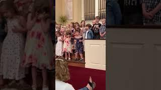Little Girl Does a Hilarious Dance During Graduation Ceremony Performance - 1042048
