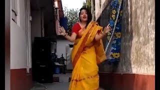 শাড়ি নাচানাচি - ওমা  কি দেখলাম। Bangladeshi Girls Dance