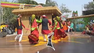 Garhwali boys and girls dance in Delhi    new garhwali dance video
