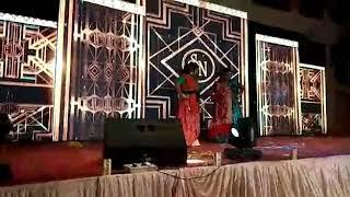 Girls Dance Performance in marriage...funny dance on Bollywood songs