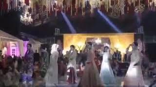 Girls Dance at Lahore Wedding event ,best wedding dance in Pakistan