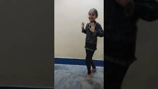Little girls dance ferformance on Kay baat yeh hardy sandhu easy steps