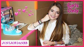Girls Only Secret Box Fort / JustJordan33